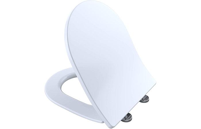 D shape toilet seat