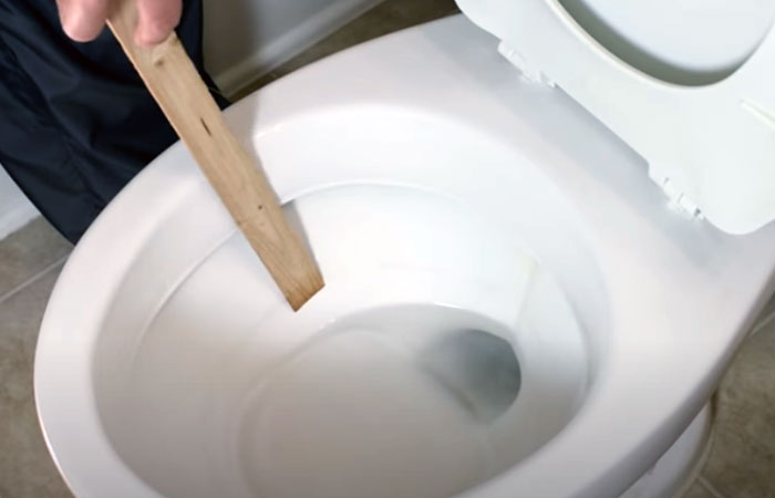 Low water level in toilet bowl