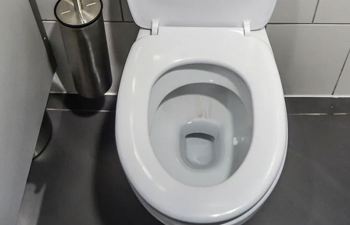 Toilet bowl free of cracks